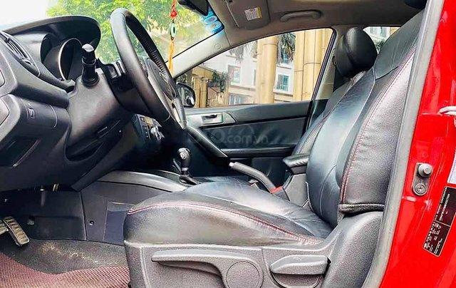 Cần bán gấp Kia Cerato năm 2010, màu đỏ, xe nhập, số tự động2