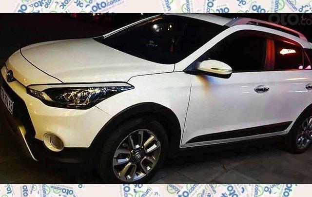 Cần bán Hyundai i20 Active sản xuất 2016, màu trắng, nhập khẩu 0