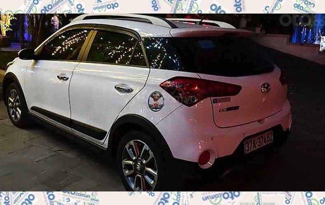 Cần bán Hyundai i20 Active sản xuất 2016, màu trắng, nhập khẩu 1