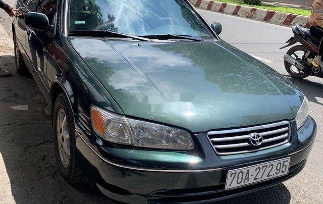 Cần bán lại xe Toyota Camry năm 2001, xe nhập, giá ưu đãi, còn mới