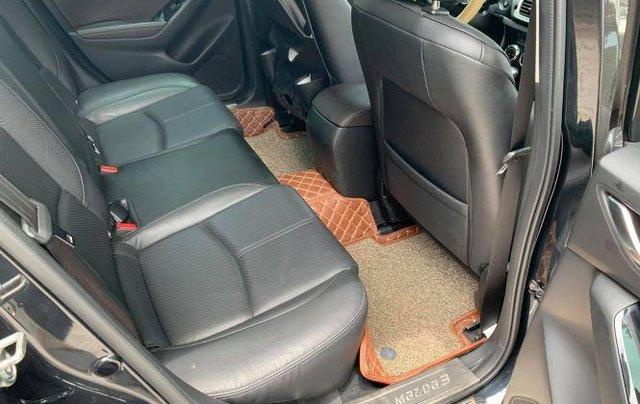 Cần bán gấp Mazda 3 năm 2019, màu đen, số tự động, 566 triệu5