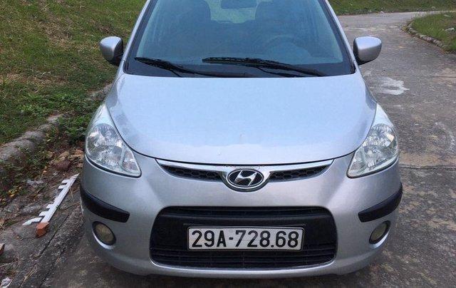 Cần bán xe Hyundai Grand i10 2010, màu bạc, xe nhập0