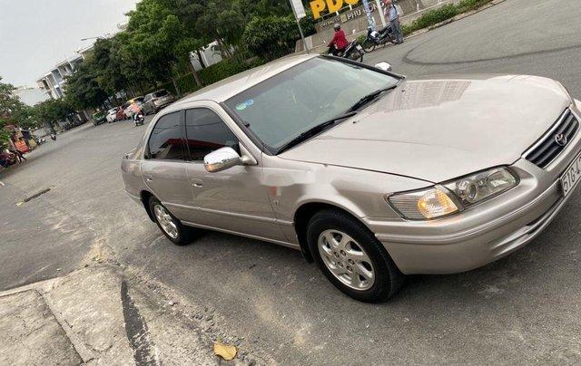 Cần bán lại xe Toyota Camry sản xuất năm 2002, giá ưu đãi1