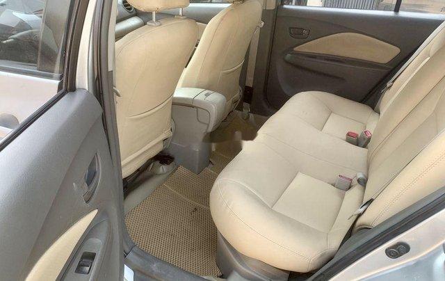 Bán Toyota Vios sản xuất năm 2013, màu bạc còn mới9