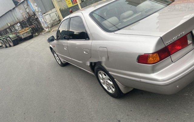 Cần bán lại xe Toyota Camry sản xuất năm 2002, giá ưu đãi8