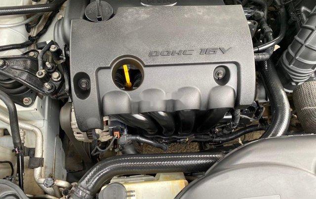 Bán Kia Forte năm sản xuất 2011, màu trắng xe gia đình11