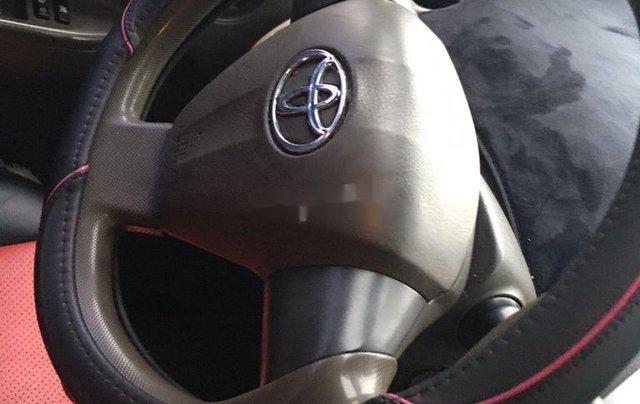 Cần bán lại xe Toyota Vios đời 2010, màu vàng, giá tốt4