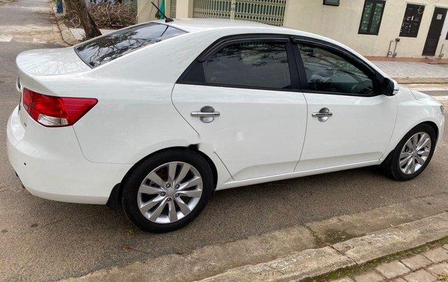 Bán Kia Forte năm sản xuất 2011, màu trắng xe gia đình2
