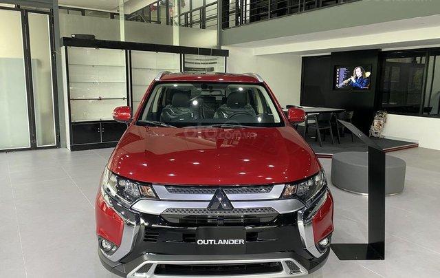 Mitsubishi Outlander 2.0 CVT Premium 2020 hỗ trợ 100% thuế trước bạ - tặng camera 3600