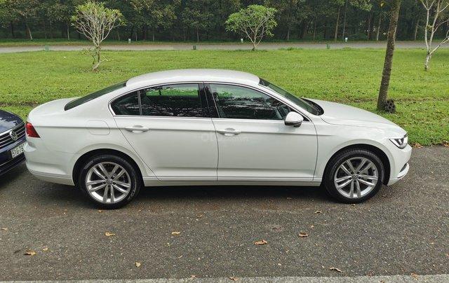 Passat Bluemotion trắng, Sedan 5 chỗ nhập khẩu 100% Đức, khuyến mãi 120% trước bạ, đăng kí lái thử tận nhà3