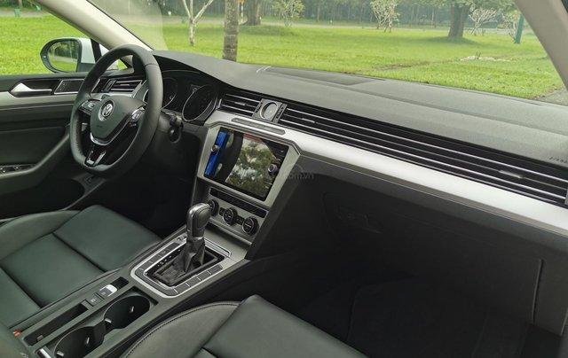 Passat Bluemotion trắng, Sedan 5 chỗ nhập khẩu 100% Đức, khuyến mãi 120% trước bạ, đăng kí lái thử tận nhà5