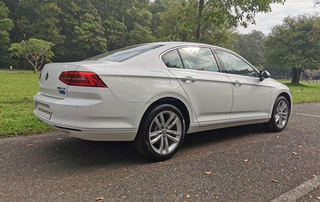 Passat Bluemotion trắng, Sedan 5 chỗ nhập khẩu 100% Đức, khuyến mãi 120% trước bạ, đăng kí lái thử tận nhà6