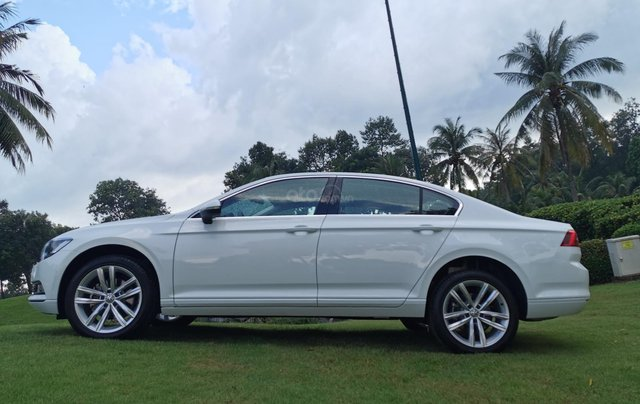 Passat Bluemotion trắng, Sedan 5 chỗ nhập khẩu 100% Đức, khuyến mãi 120% trước bạ, đăng kí lái thử tận nhà14