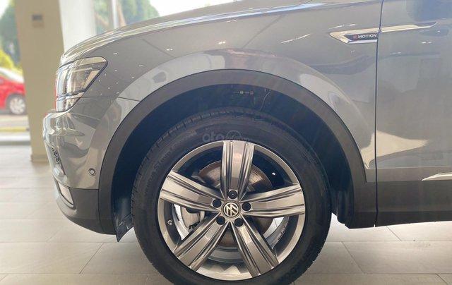 Tiguan Luxury bản Rline màu xám - diện mạo mới - khuyến mãi giá tốt - ngân hàng hỗ trợ 80%8