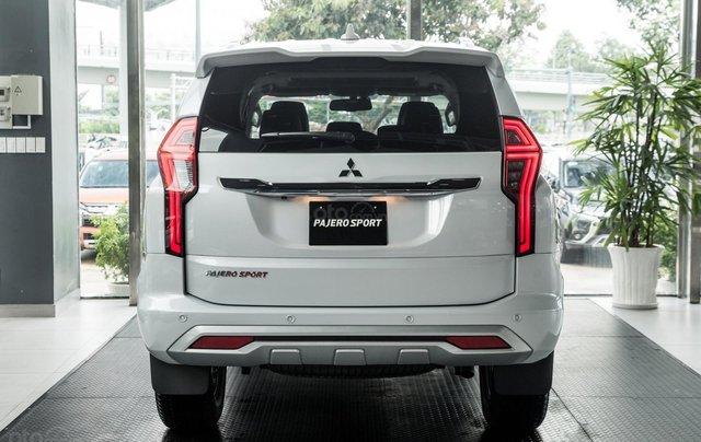 Mitsubishi Pajero Sport 2020, nhập khẩu nguyên chiếc4