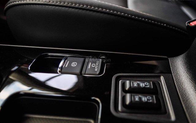 Mitsubishi Outlander - giảm 100% phí trước bạ, quà tặng hấp dẫn, xe giao ngay5