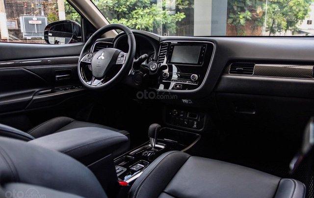 Mitsubishi Outlander - giảm 100% phí trước bạ, quà tặng hấp dẫn, xe giao ngay4