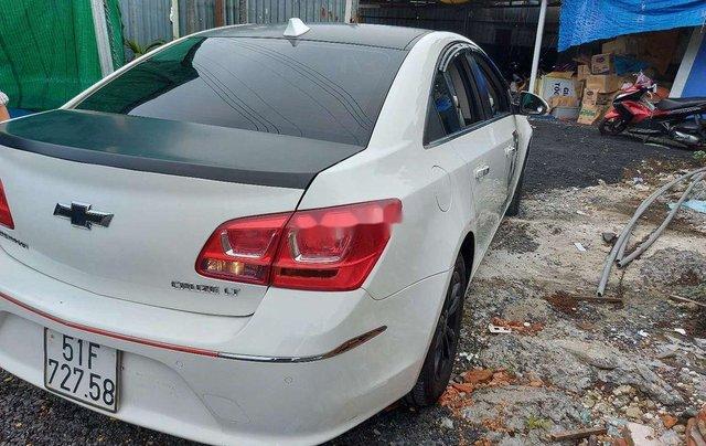 Cần bán gấp Chevrolet Cruze 2016, màu trắng như mới4