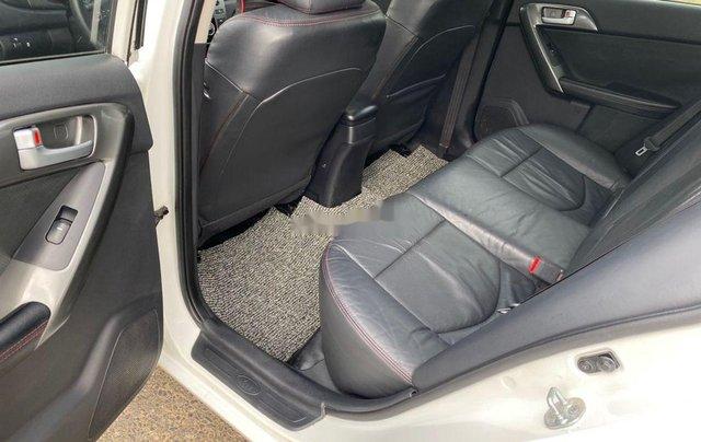 Bán Kia Forte năm sản xuất 2011, màu trắng xe gia đình8