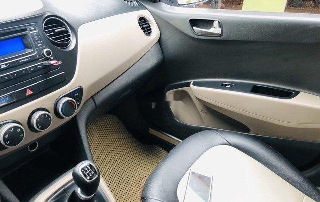 Bán Hyundai Grand i10 năm 2015, màu bạc, nhập khẩu nguyên chiếc số sàn bản đủ5