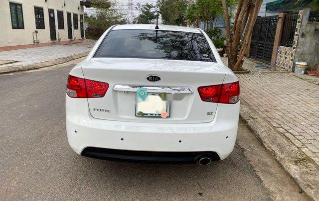 Bán Kia Forte năm sản xuất 2011, màu trắng xe gia đình3