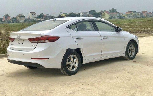 Bán xe Hyundai Elantra sản xuất năm 2018, màu trắng4