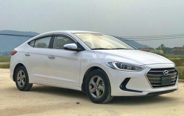 Bán xe Hyundai Elantra sản xuất năm 2018, màu trắng1