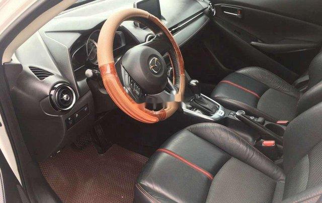 Cần bán xe Mazda 2 đời 2016, màu trắng, nhập khẩu 2