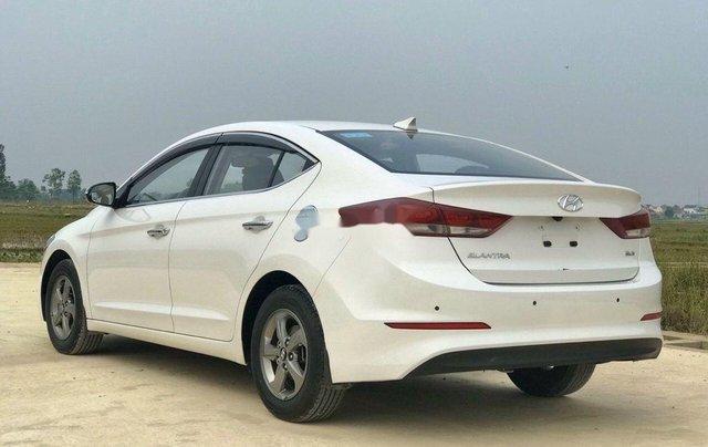 Bán xe Hyundai Elantra sản xuất năm 2018, màu trắng3