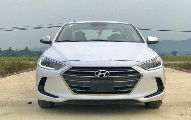 Bán xe Hyundai Elantra sản xuất năm 2018, màu trắng0