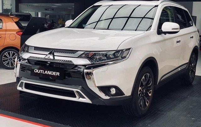Mitsubishi Outlander 2020 khuyến mãi lớn - giảm 100% phí trước bạ  + quà tặng cực hấp dẫn0