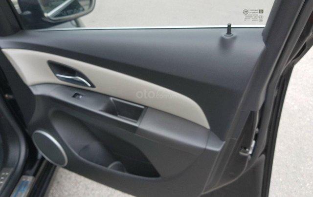 Bán Chevrolet Cruze 2013 LTZ, màu đen2