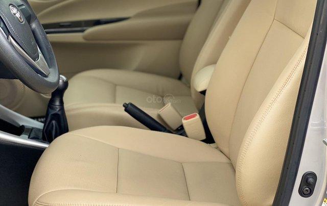 Bán Toyota Vios E MT 2019, màu bạc13