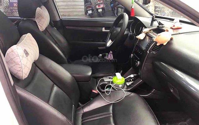 Cần bán Kia Sorento sản xuất 2013, màu trắng còn mới, giá tốt1