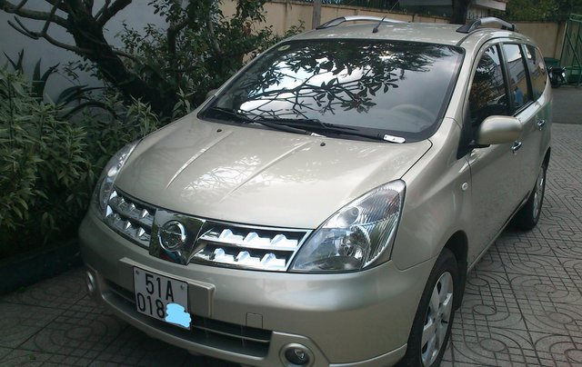 Bán Nissan Grand livina sản xuất 20110