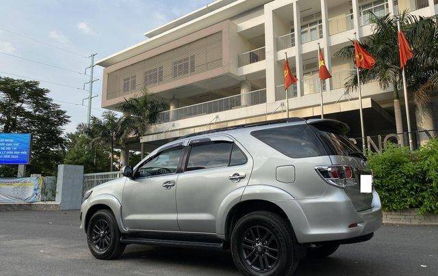 Bán Toyota Fortuner 2.5G, số sàn, máy dầu, sản xuất 2016, màu bạc, xe đẹp BSTP, trang bị đầy đủ đồ5