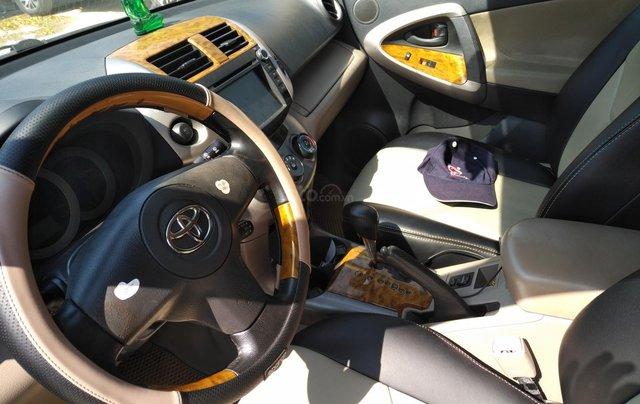 Xe Toyota Rav4 nhập khẩu, đổ xăng là chạy sản xuất 2006, đăng ký lẫn đâu 2008, màu xanh2
