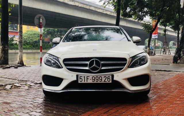 Mercedes C300 AMG màu trắng cực mới1