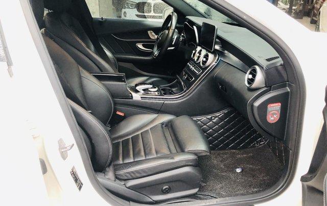 Mercedes C300 AMG màu trắng cực mới5