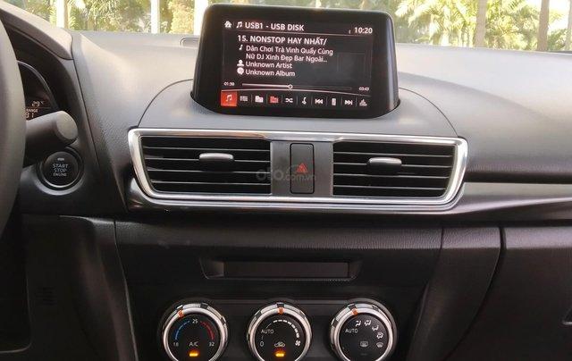 Mazda 3 2.0AT sản xuất 2018, màu trắng12