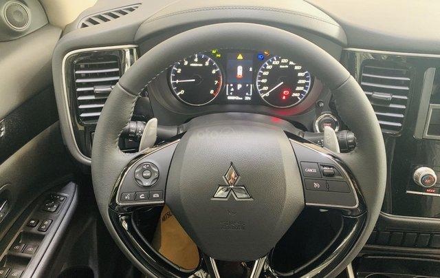 [Siêu ưu đãi tháng cuối năm] Mitsubishi Outlander 2021 giá chỉ từ 825 triệu, hỗ trợ thuế trước bạ 50%, bao giá toàn quốc3