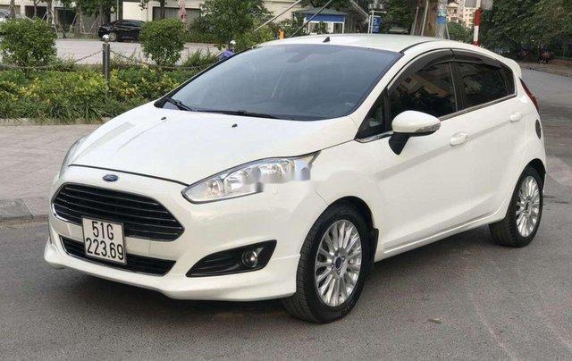 Bán Ford Fiesta sản xuất năm 2016, màu trắng còn mới1