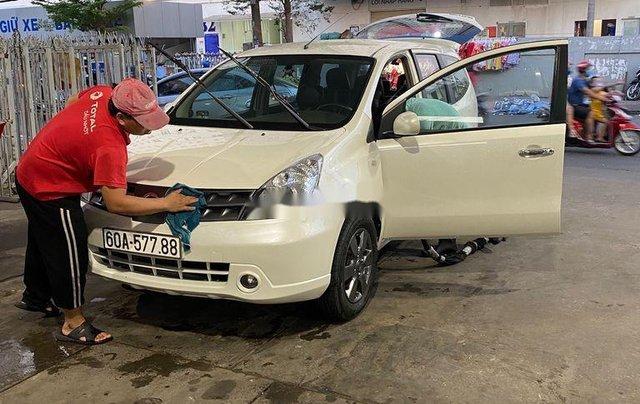 Bán ô tô Nissan Grand livina 2012, màu trắng, xe nhập số sàn, giá tốt1