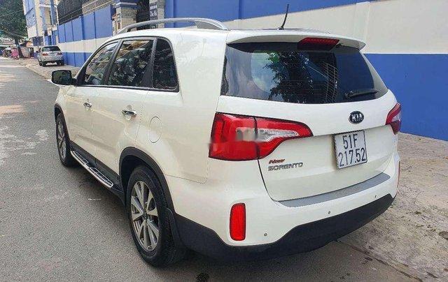 Bán xe Kia Sorento năm sản xuất 2015, màu trắng2
