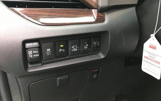 Cần bán gấp với giá ưu đãi nhất chiếc Toyota Sienna Limited đời 20186