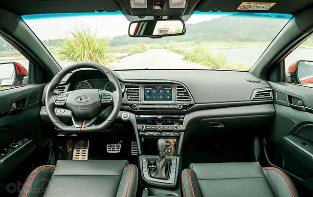 Cần bán xe Hyundai Elantra năm sản xuất 2020, màu trắng, giá tốt1