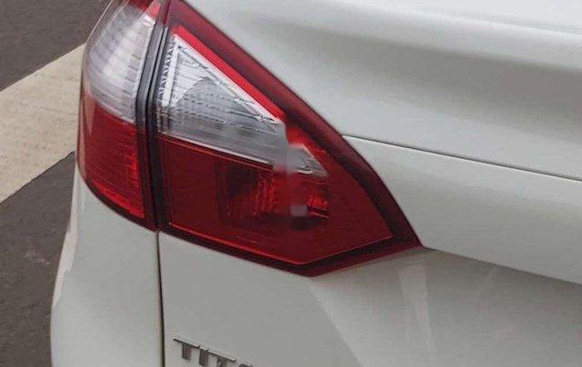 Bán ô tô Ford Fiesta năm sản xuất 2015, nhập khẩu còn mới, giá 415tr3
