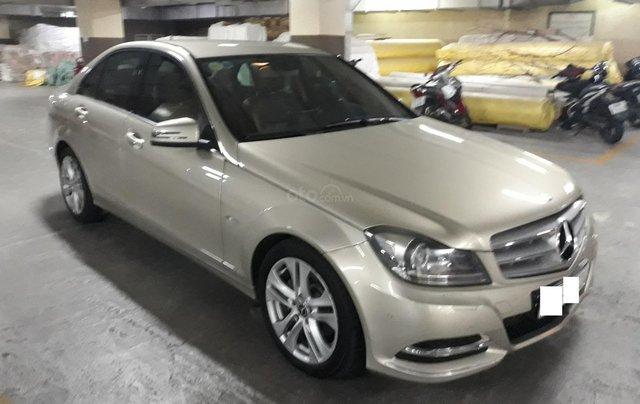 Bán xe Mercedes C200 Model 2013 màu cát0