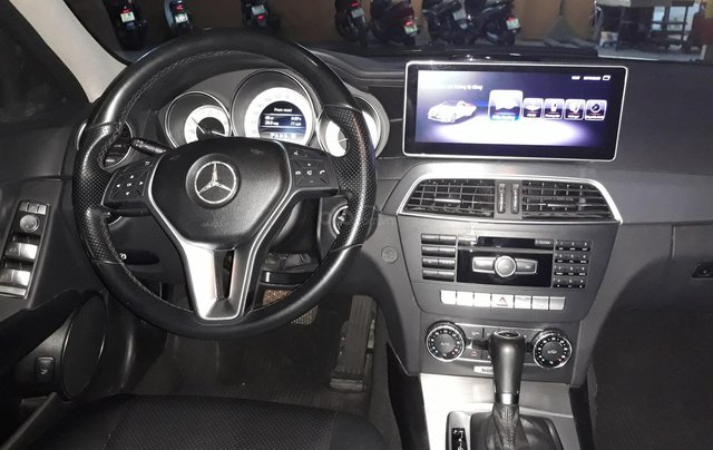 Bán xe Mercedes C200 Model 2013 màu cát3