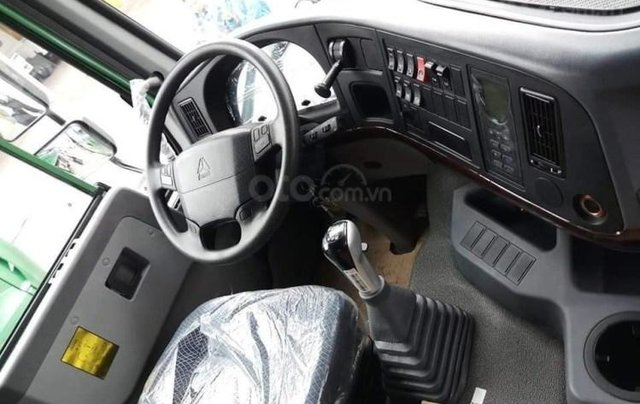 Xe ben Howo Sinotruk 6×4 (3 chân)12 tấn - thùng Hyundai, xe có sẵn, giao ngay3